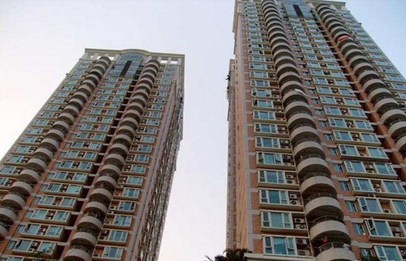 益田花园一期 顶楼复式 南北向 超低价385万 带楼顶花园