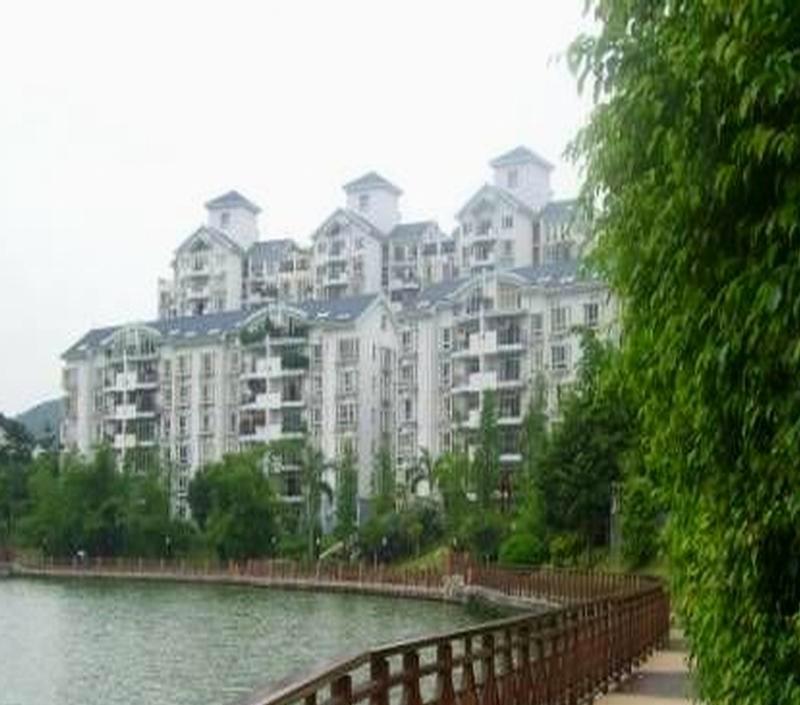 丰泽湖山庄