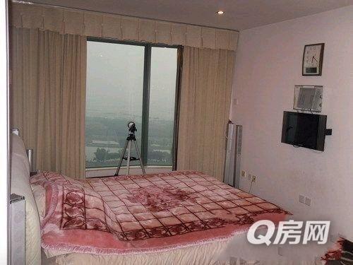 红本无税,超大客厅带大阳台!主卧带全景落地窗!看无敌